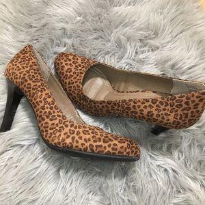 Rialto Coline leopard cheetah heel 8.5 pumps brown